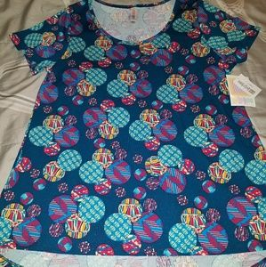 BRAND NEW with tags LuLaRoe Large Classic T